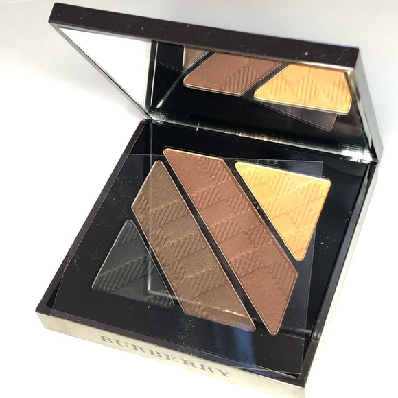 Burberry Other - Burberry Complete Eyeshadow palette NWT